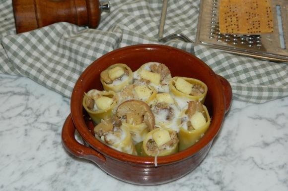Paccheri con carne e funghi