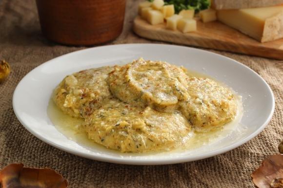 Polenta Macafana con cicoria e formaggio