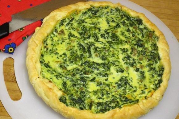 Torta salata con ricotta, spinaci e salsiccia al finocchietto