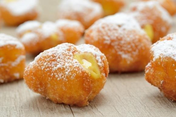 Frittelle di carnevale al limone senza lievitazione