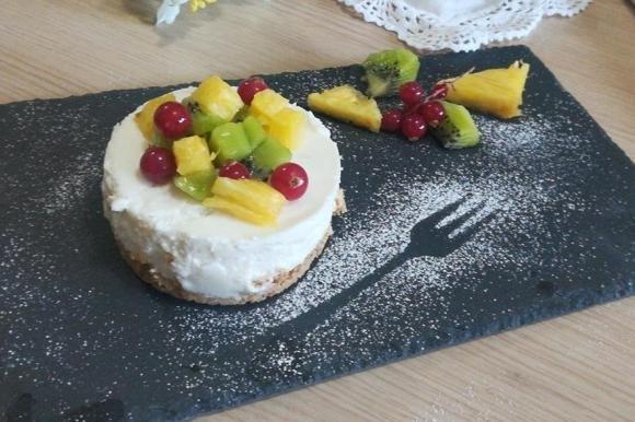 Tortino di fette biscottate e yogurt greco