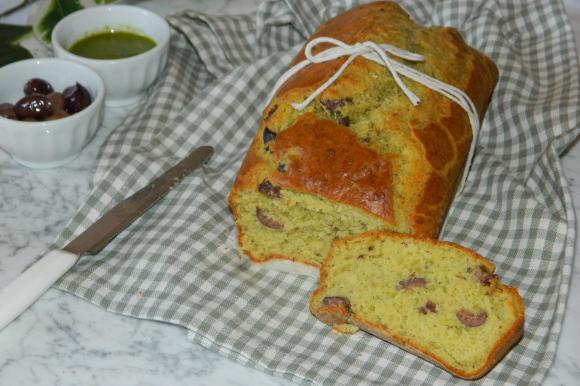 Plumcake al pesto e olive