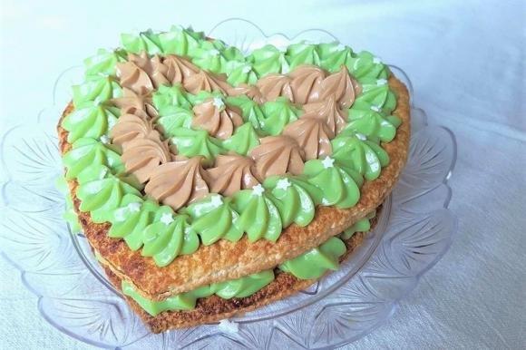 Torta sfogliata con crema al pistacchio e nocciola