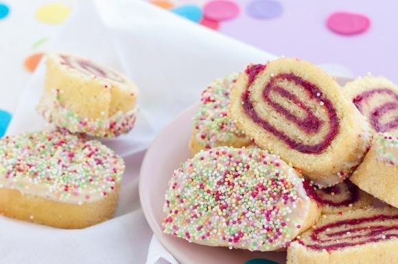 Girelle di Carnevale con marmellata e cioccolato bianco