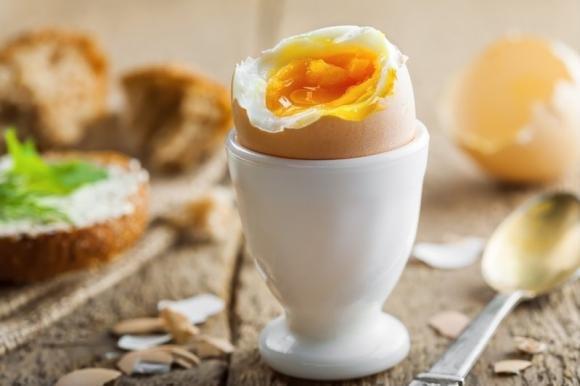 Uovo alla coque: ricetta e tempi di cottura