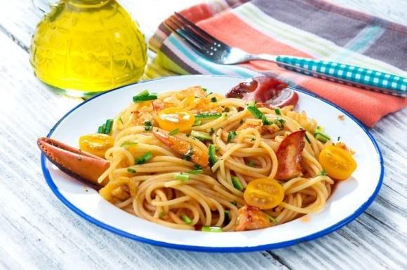 Spaghetti all'aragosta con pomodorini
