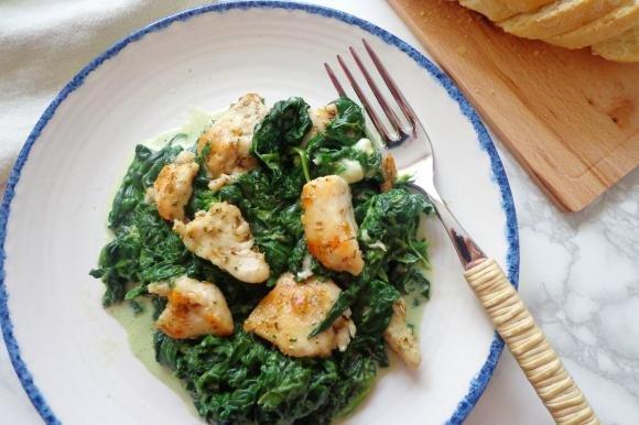 Spezzatino di pollo con spinaci e gorgonzola