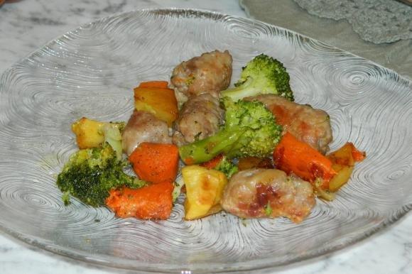 Salsicce e verdure in padella