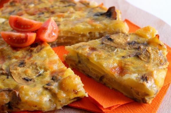 Frittata al forno con patate, funghi e mozzarella