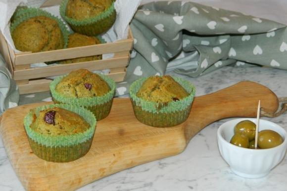 Muffin al pesto e olive