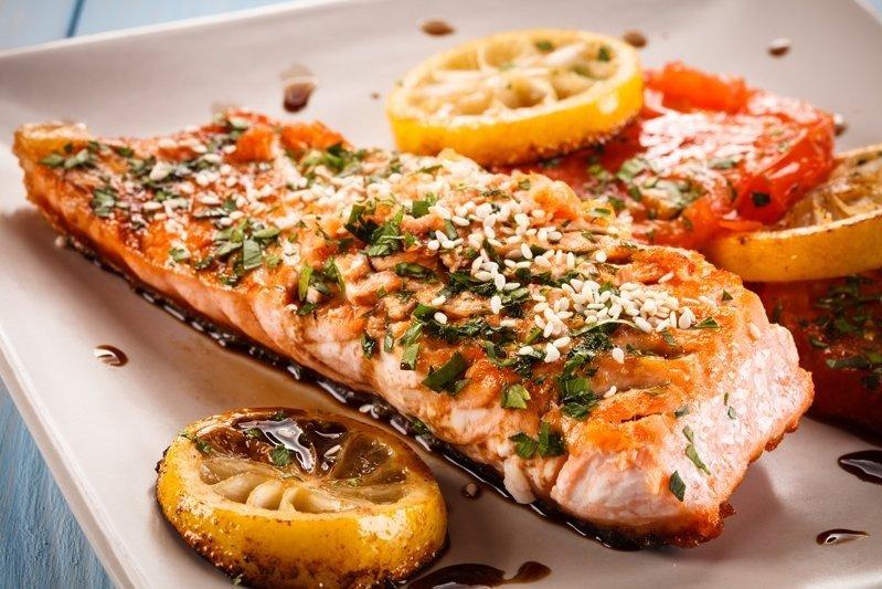 Ricette Salmone Dietetico.Salmone In Padella Con Pomodorini Ricetta Di Fidelity Cucina