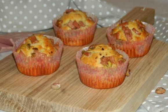 Muffin salati con mortadella