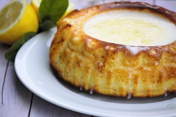Torta di ricotta al limone con glassa al limone