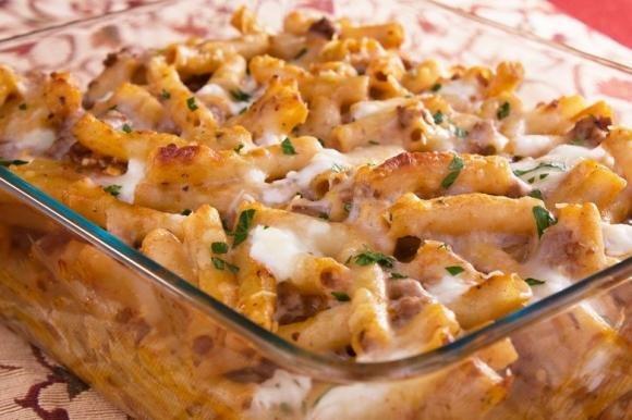 Pasta pasticciata al forno con besciamella