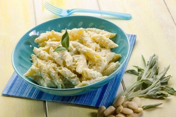 Pasta con ricotta alla siciliana