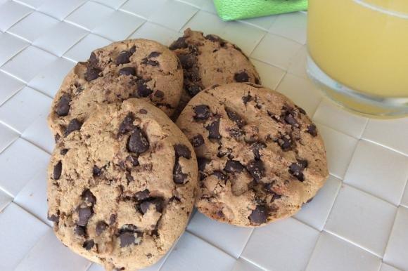 Cookies con farina di farro e cioccolato fondente
