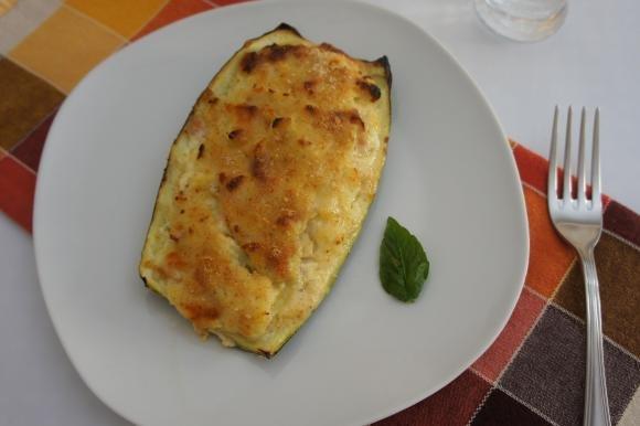 Zucchine ripiene con mozzarella e mortadella