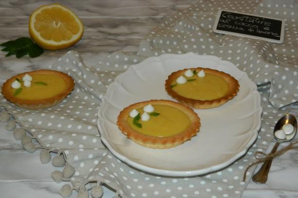 Crostatine al cocco con lemon curd