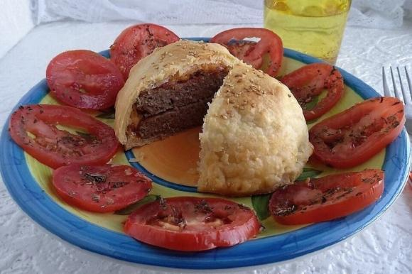 Doppio hamburger in crosta