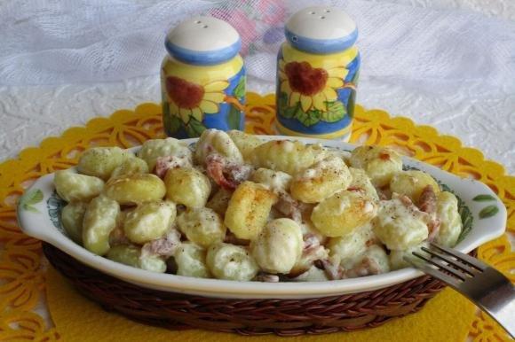 Gnocchi gratinati con pancetta e panna