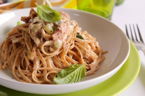 Linguine con zucchine, tonno e gorgonzola dolce