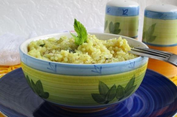 Risotto con zucchine, curry e parmigiano