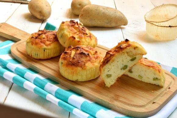 Muffin salati patate e piselli