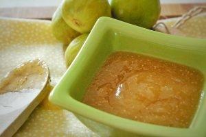 Salsa di fichi caramellata al profumo di limone