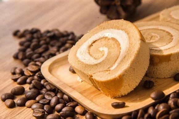 Rotolo al caffè con crema al caffè