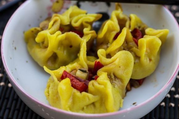 Fagottini cinesi al vapore ripieni di verdure