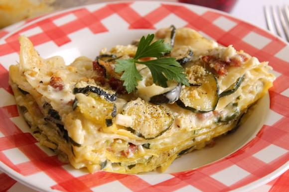 Lasagne bianche con zucchine e pancetta