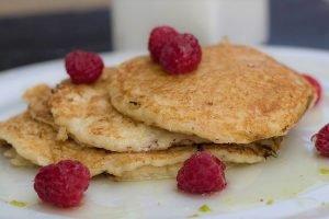 Pancake al cocco con sciroppo di lime