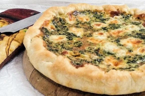 Torta salata con spinaci e taleggio
