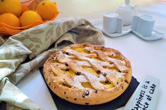 Crostata con gocce di cioccolato e crema al succo d'arancia