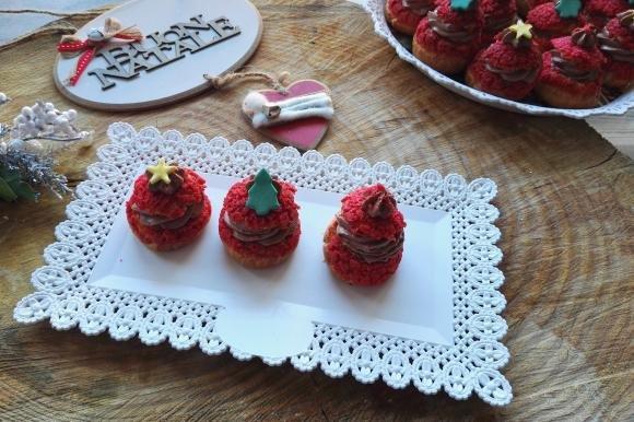 Bignè craquelin natalizi con mousse alla nutella