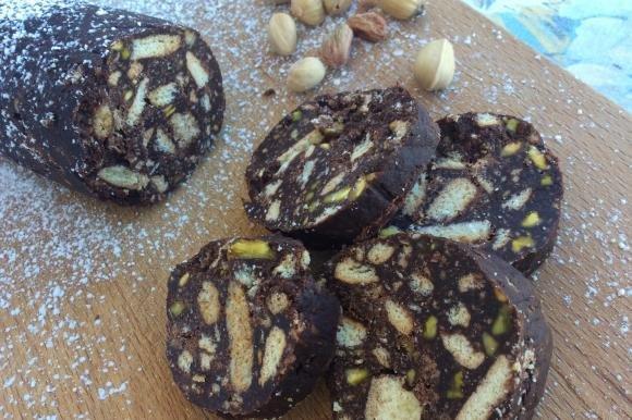 Salame di cioccolato con pistacchi senza uova