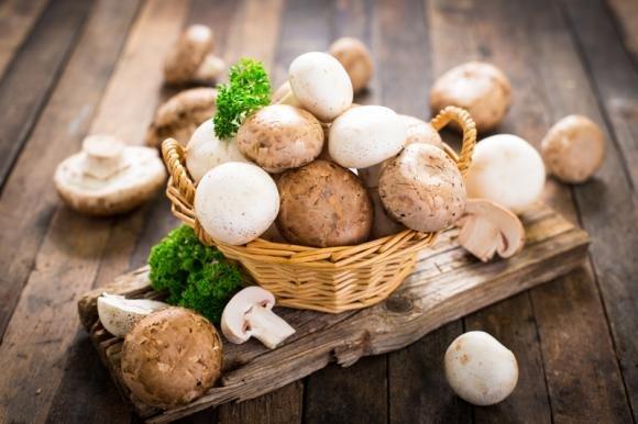 Come cucinare i funghi: ricette al forno e in padella