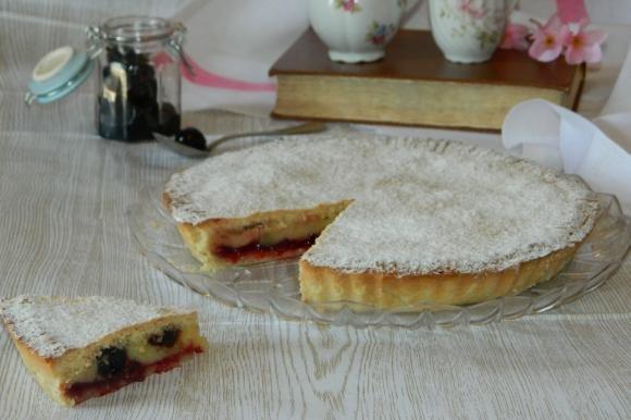 Torta pasticciotto con crema e marmellata