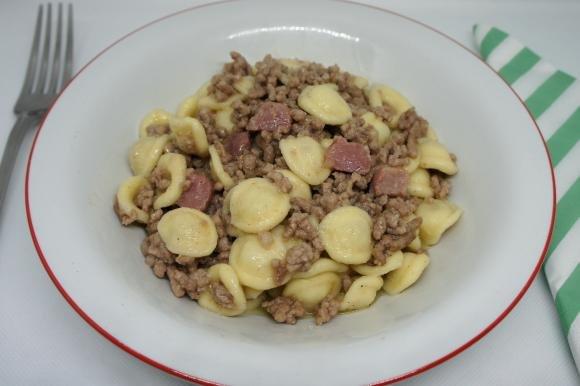Orecchiette con carne macinata e pancetta