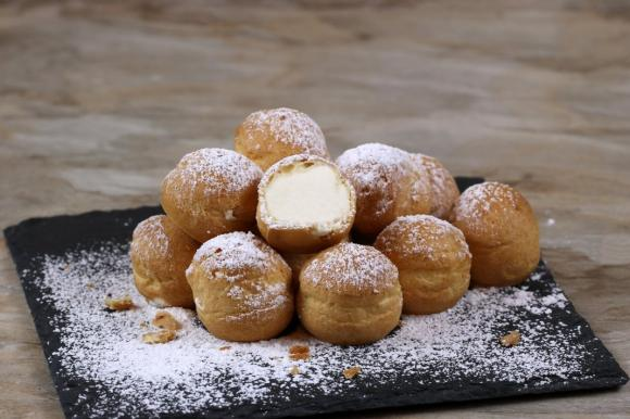 Fiocchi di neve dolci di pasta choux