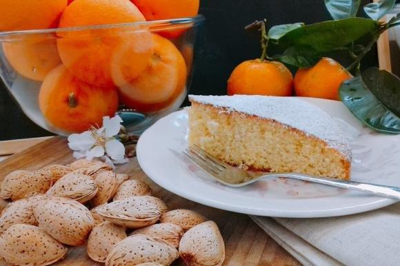 Torta arance e mandorle senza lattosio
