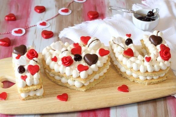 Cream tart con crema diplomatica e amarene