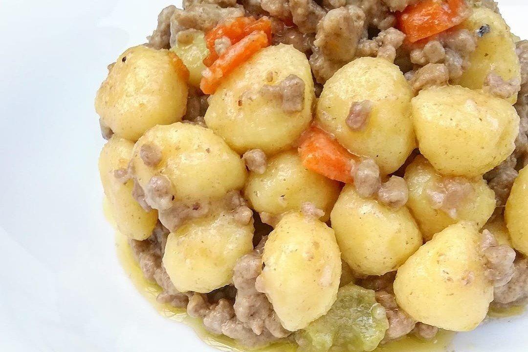 Ricetta Sugo Bianco Per Gnocchi.Gnocchi Con Ragu Bianco Ricetta Di Fidelity Cucina