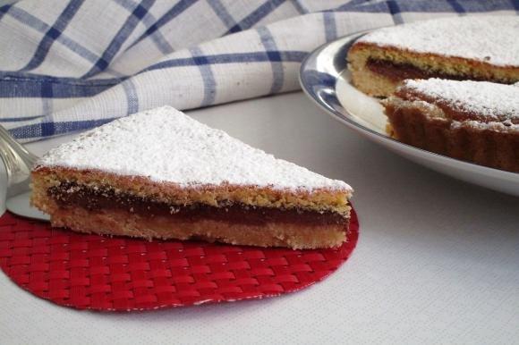Crostata morbida con nutella e wafer