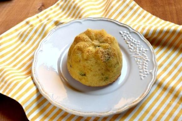 Tortino con patate, piselli e formaggio