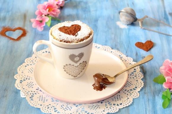 Torta in tazza marmorizzata vaniglia e nutella