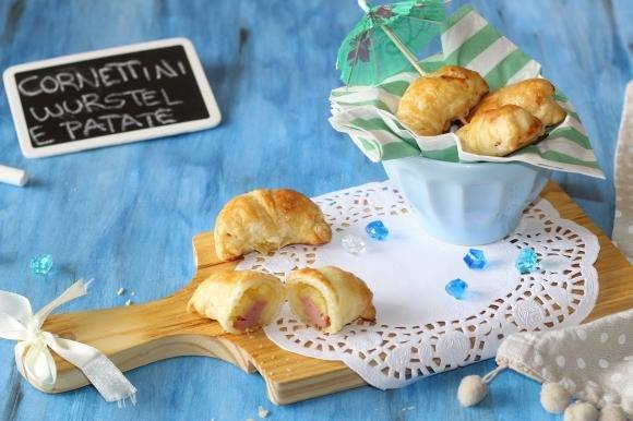 Cornettini con wurstel e patate
