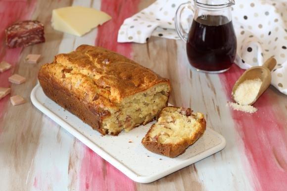 Plumcake rustico con salumi e formaggi