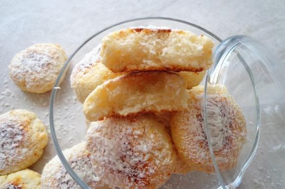 Biscotti al cocco e ricotta