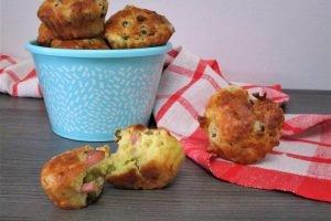 Muffin salati con prosciutto e piselli bimby